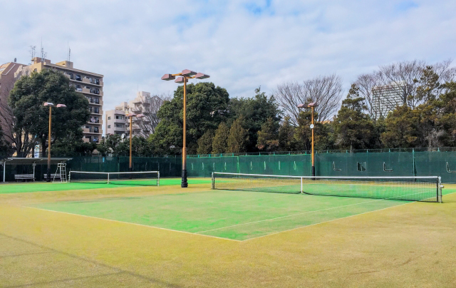 様々なテニススクールの特徴