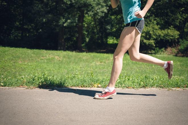 足を伸ばして走る