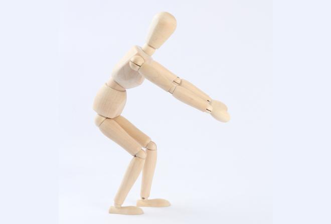 体が曲がる事によって反発を吸収