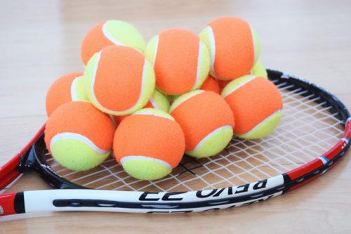テニスのボール拾い